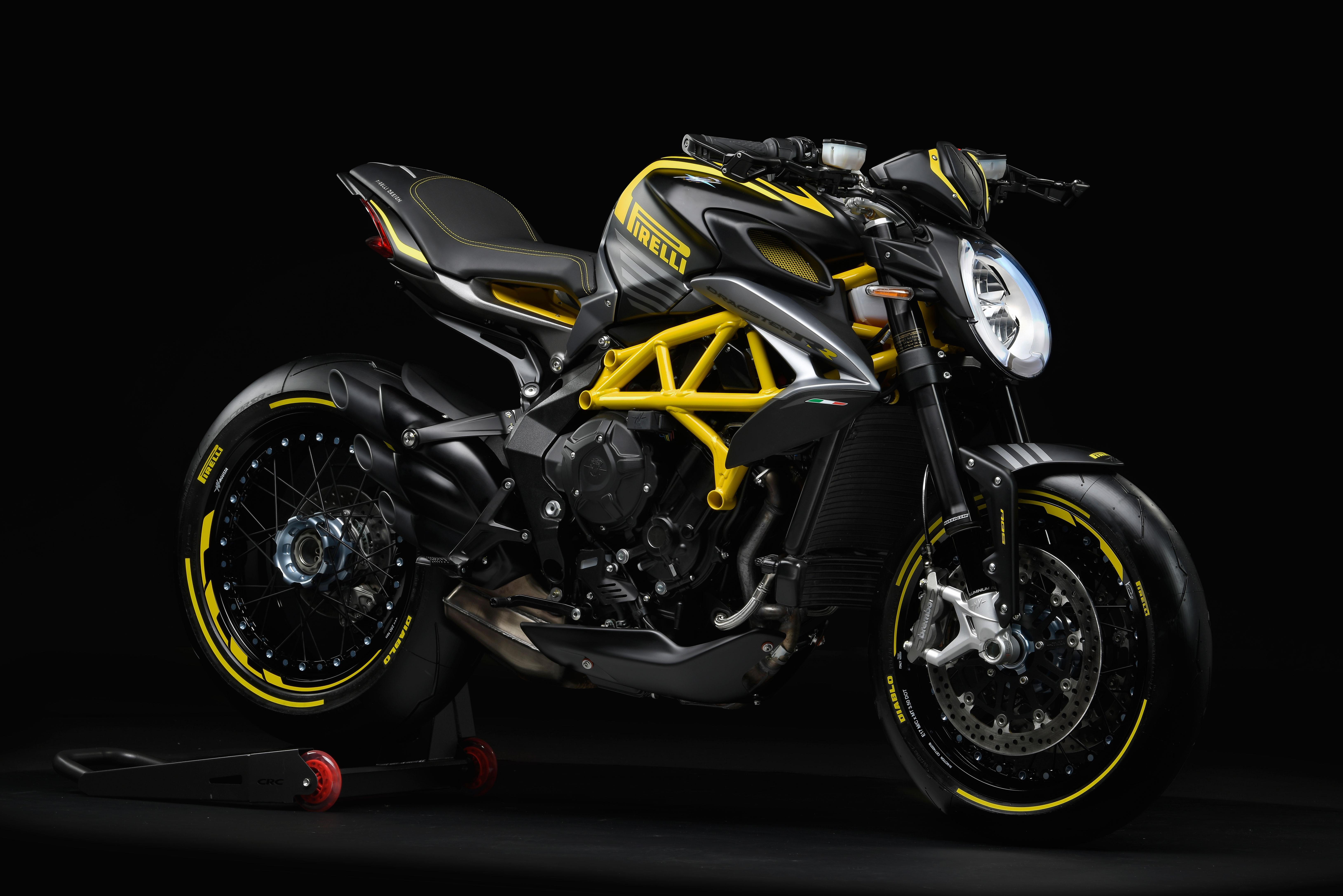 Dragster-800-RR-Pirelli