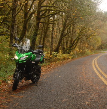 vožnja motocikla u jesen