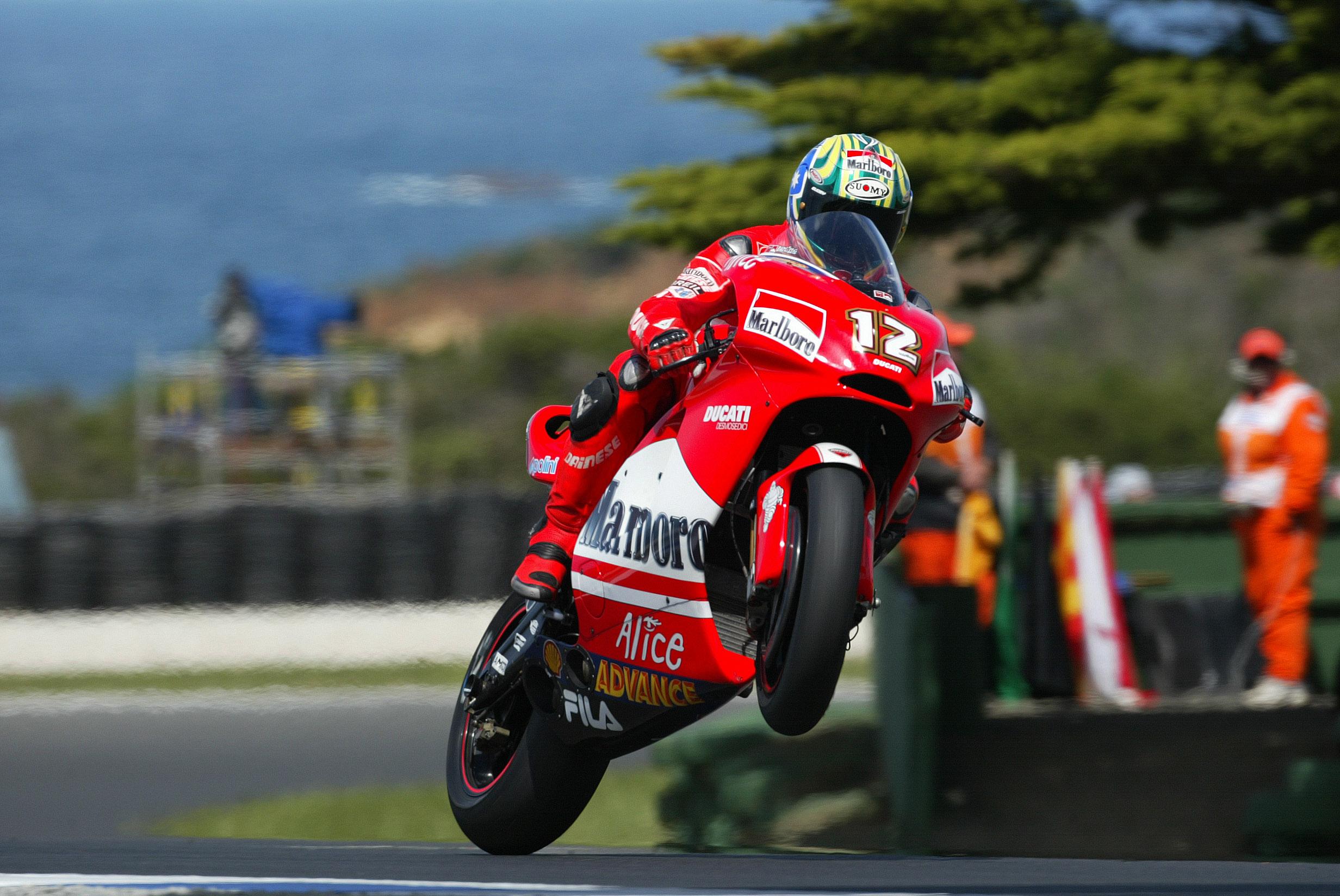 Troj Bejlis na Ducati GP4