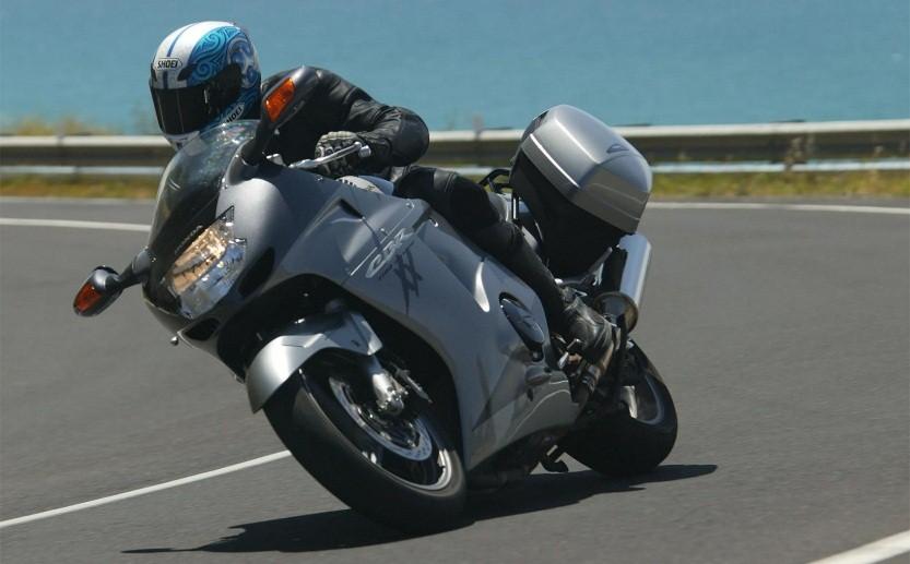 Zašto satovi na motociklima ne mere preko 299 Km/h?