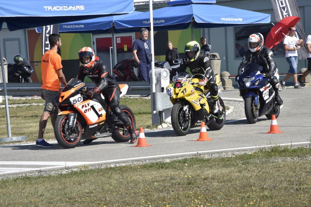 Izlazak na stazu, moto track day