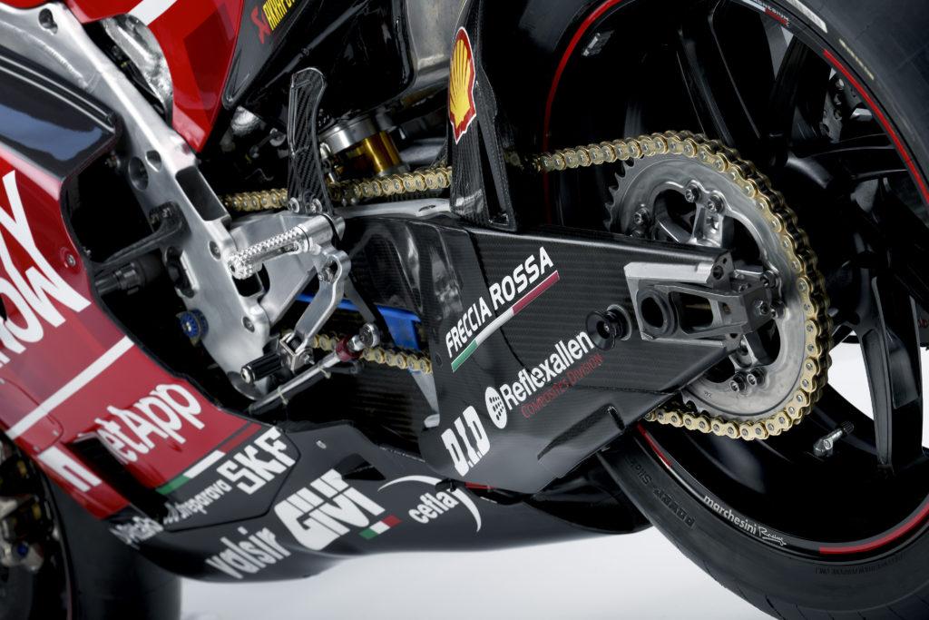 Ohlins karbonsa prednja viljuška Kako funkcionišu prednje i zadnje ogibljenje na MotoGP motociklu