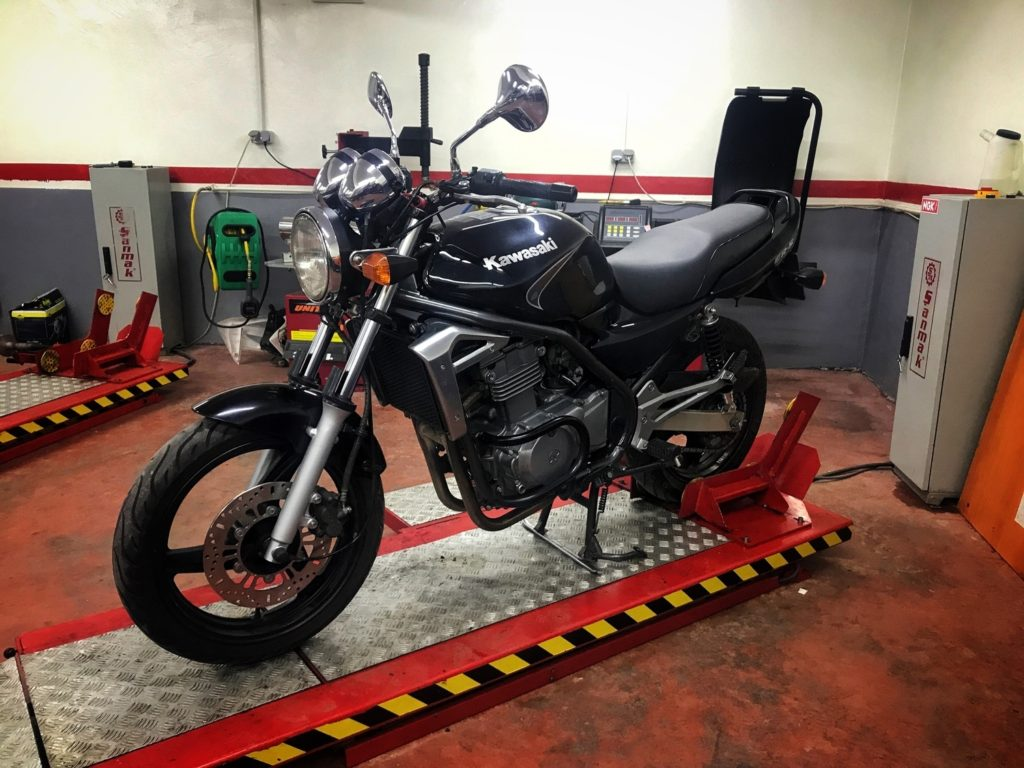Iskustva Kawasaki ER5