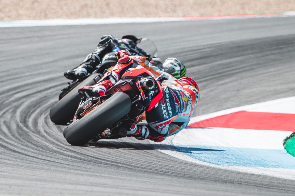 Kako širina guma utiču na upravljivost motocikla