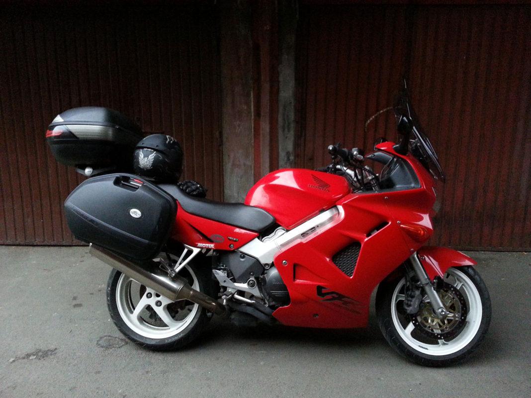 Predstavljamo polovnjake – Honda VFR 800 iz 1998.