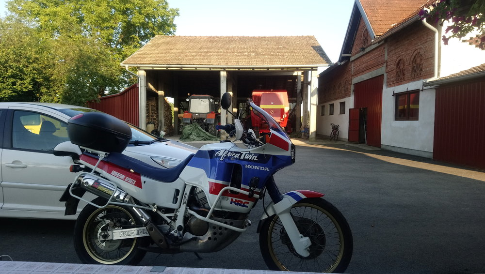 Restauracija - Honda Africa Twin XRV 650 RD03