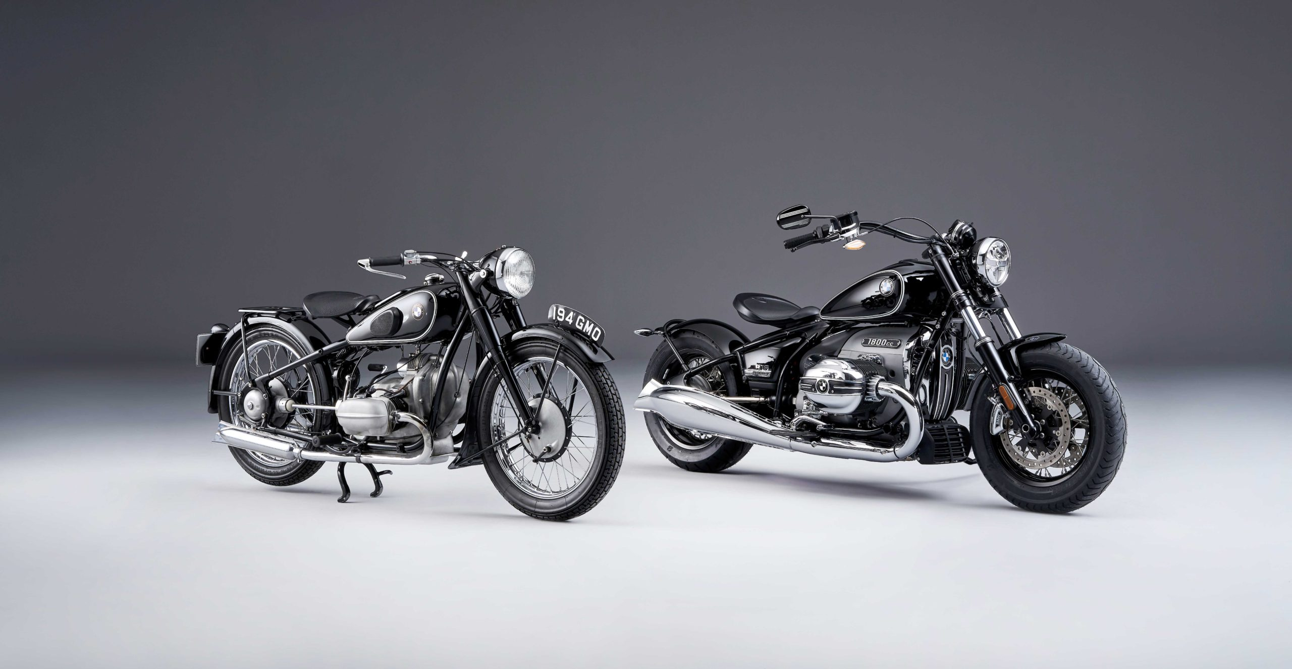 P90386356_highRes_bmw-r-5-and-bmw-r-18-s