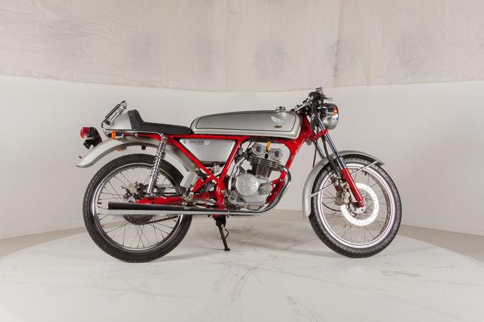 "Honda DREAM 50 AC15 ""Gray import"" motocikli"