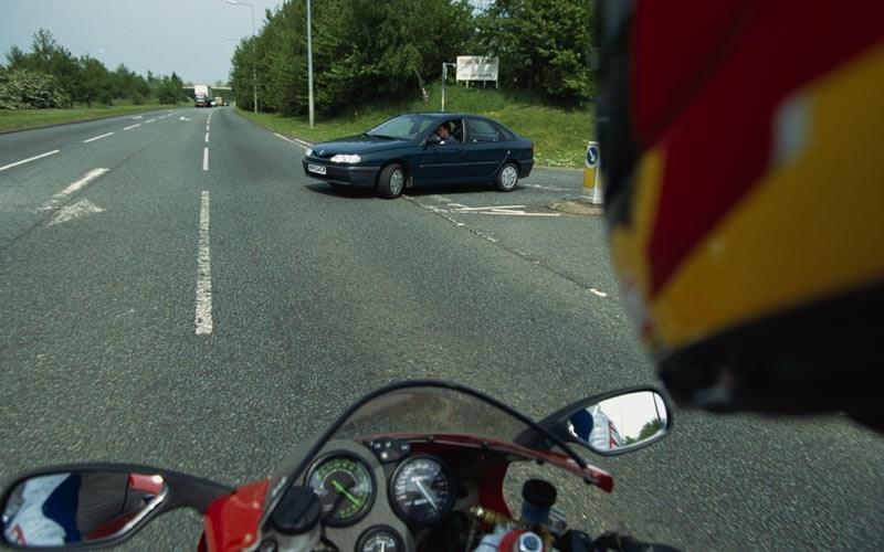 Osnovni zadatak motocikliste je da spreči saobraćajnu nezgodu