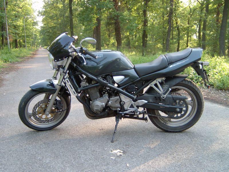 Suzuki Bandit GSF400