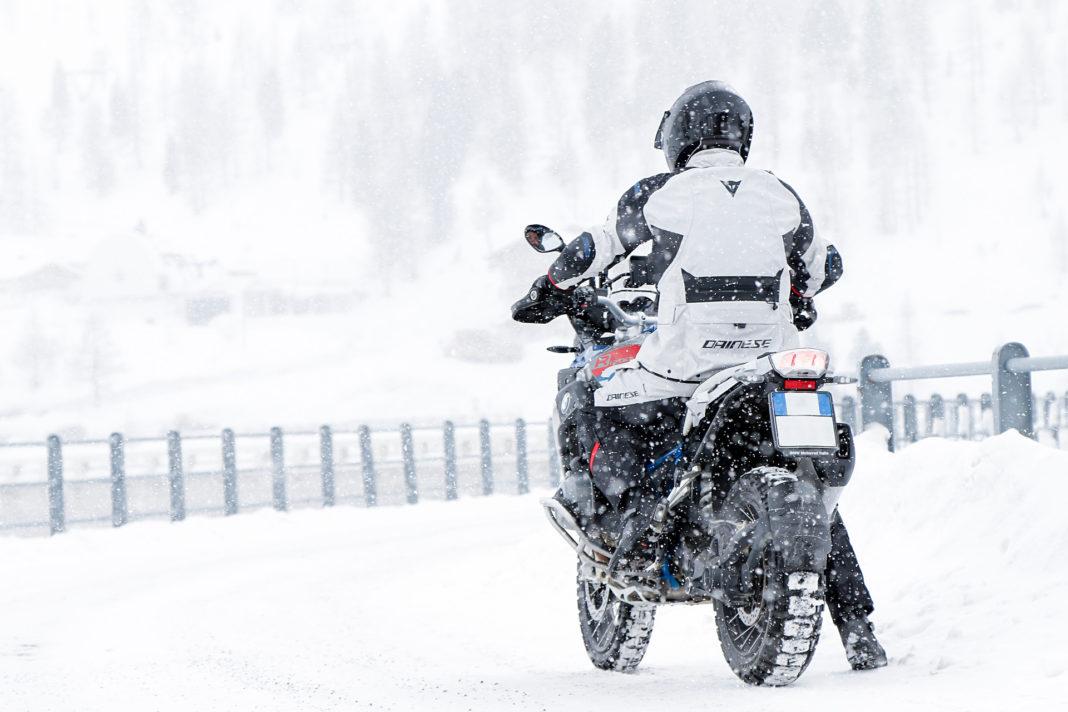 Vožnja motocikla u zimskim uslovima