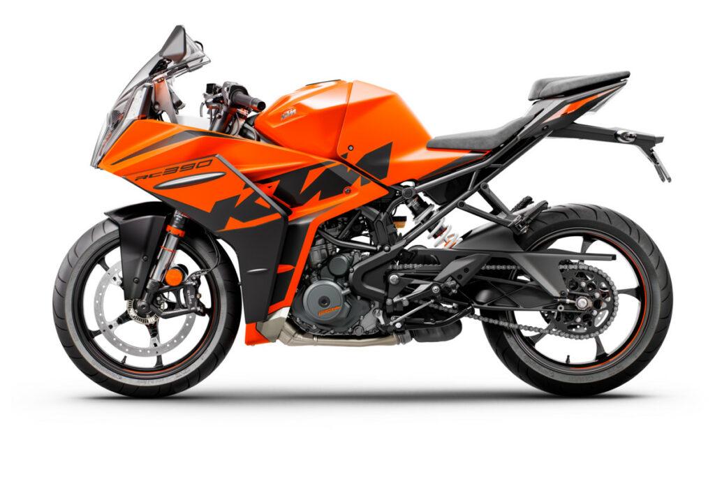 KTM RC390 za 2022.